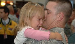 800px-Flickr_-_The_U.S._Army_-_100_Indiana_Guard_Soldiers_return_to_Indianapolis_airport