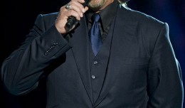 434px-Trace_Adkins
